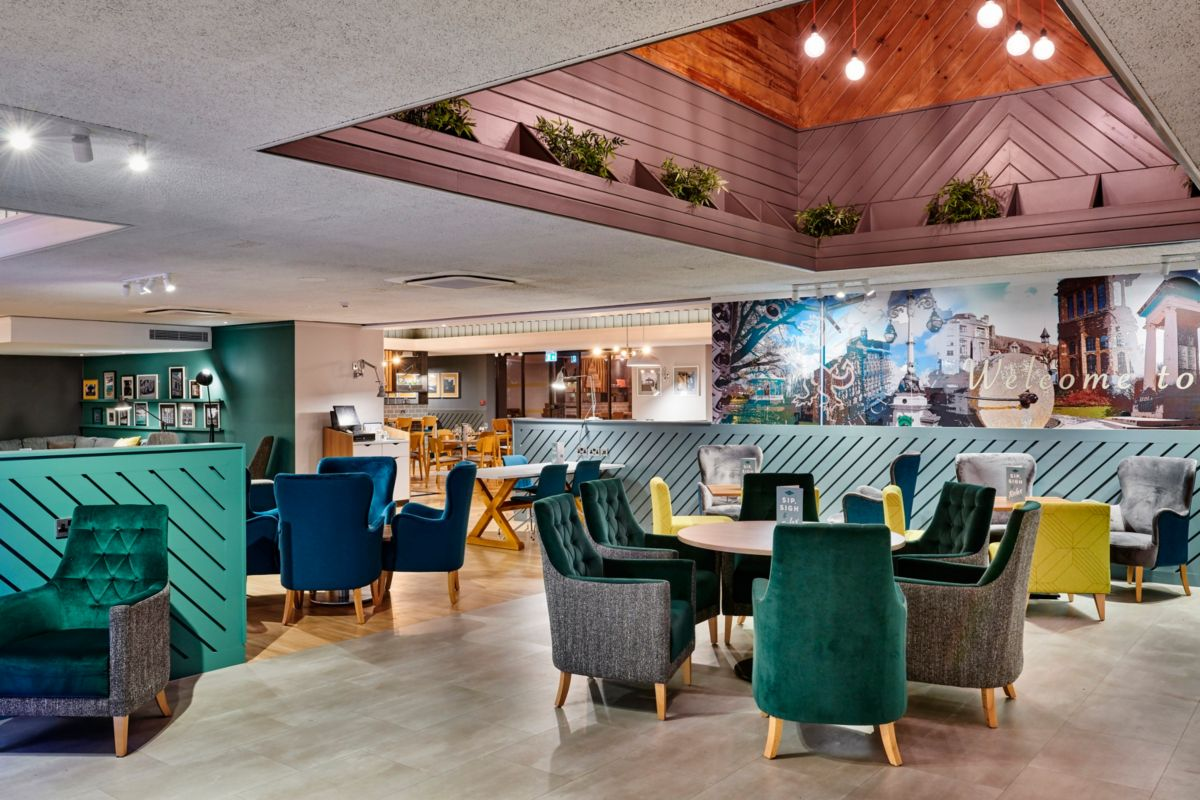 Restaurant and bar Holiday Inn Taunton M5 J25
